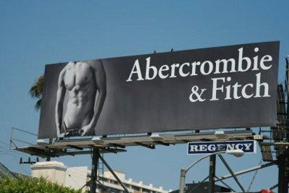 Стройный мужской торс в рекламе Abercrombie & Fitch