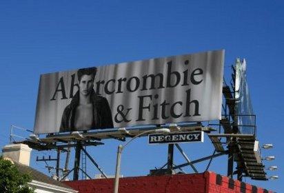 Сексуальная реклама Abercrombie & Fitch