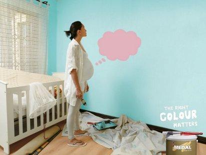 Беременная мама выбирает цвет