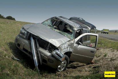 Шикарная грудь - причина аварии