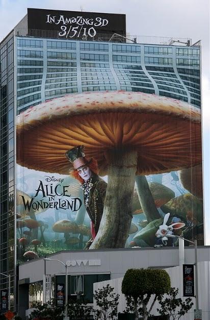 """Билборд """"Алиса в стране чудес"""""""