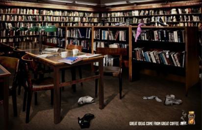 Реклама Nescafé намекающая на секс в библиотеке