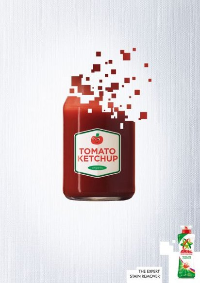 Порошок отстирает кетчуп