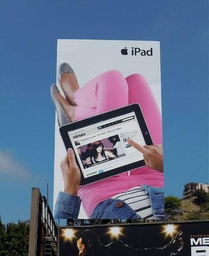 Большой билборд Apple iPad