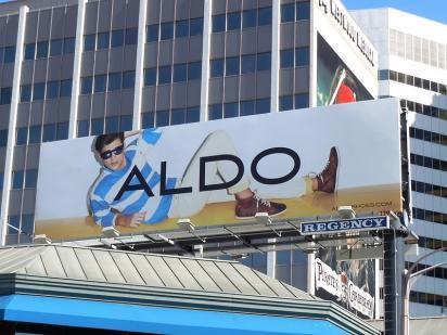 Билборд с рекламой обуви