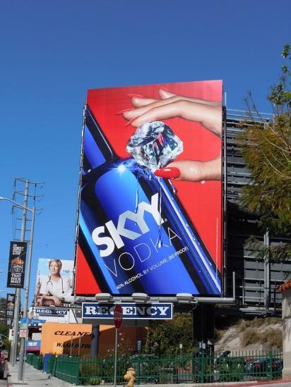 Реклама водки Skyy