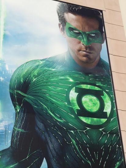 Вертикальный билборд Зеленый Фонарь