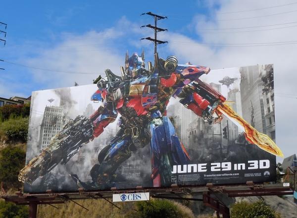 Большой билборд фильма Трансформеры 3