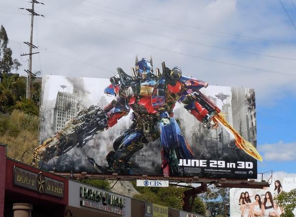 Олимпус Прайи на билборде