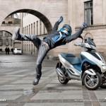 Реклама трехколесного скутера Piaggio MP3: На нем ты в безопасности